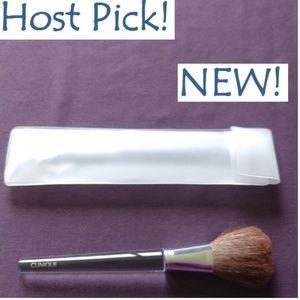 New 💼 Clinique Powder Brush